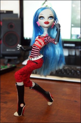 [Monster High] Ghoulia, future voodoll Dsc04416