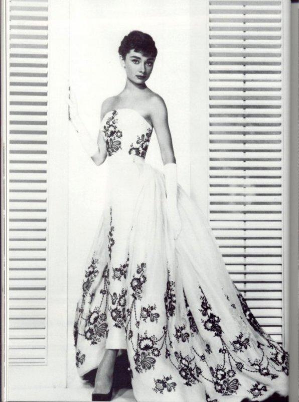 La mode dans le cinéma des années fifties.  Audrey10