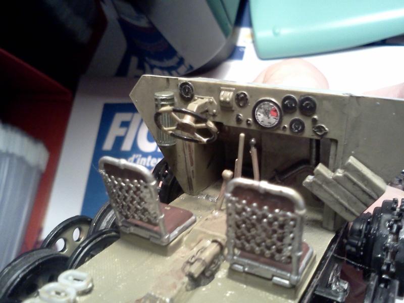 SdkFz 251/16 Ausf C Flammpanzerwagen - montage en cours Img06810