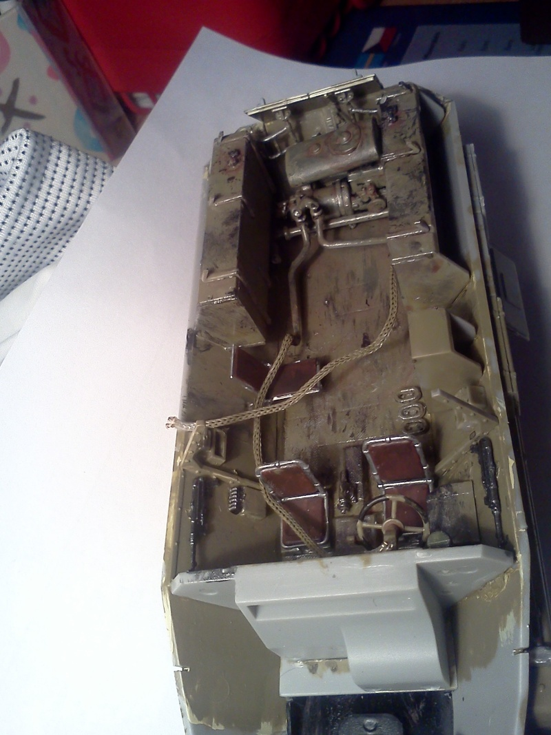 SdkFz 251/16 Ausf C Flammpanzerwagen - montage en cours Img07910