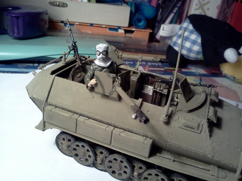 SdkFz 251/16 Ausf C Flammpanzerwagen - montage en cours Img08510
