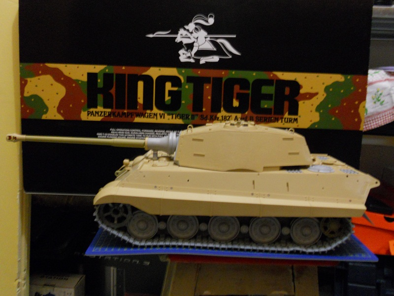 WIP Panzerkampfwagen VI Tiger II Ausf. B Königstiger Sd.Kfz.182 Tamiya di CPT America - Pagina 10 King_235