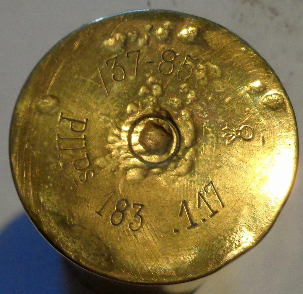 Identification des marquages sur une vieille douille en cuivre ... Dsc00023