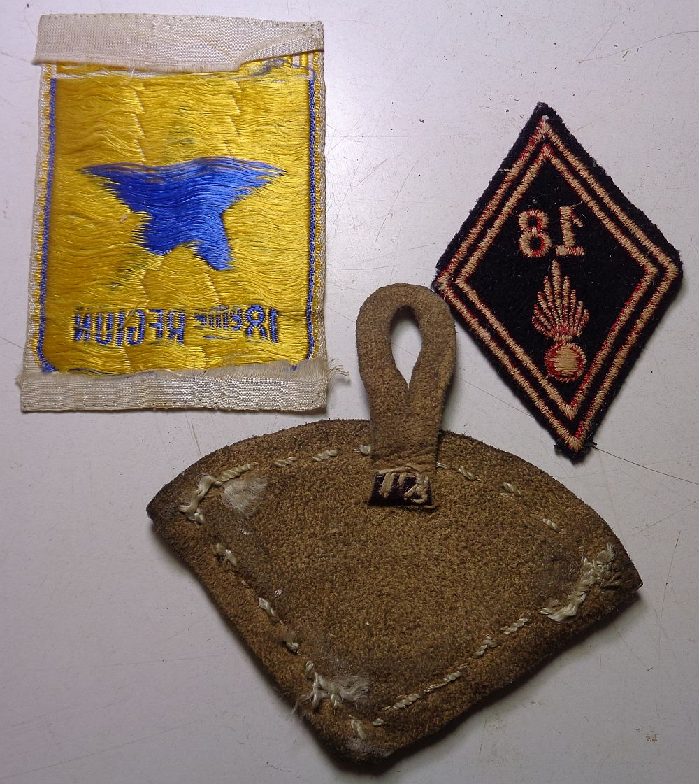 3 insignes,  à identifier .... Dsc00617