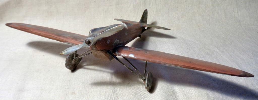 Une maquette d'avion ... ?  Dsc00752