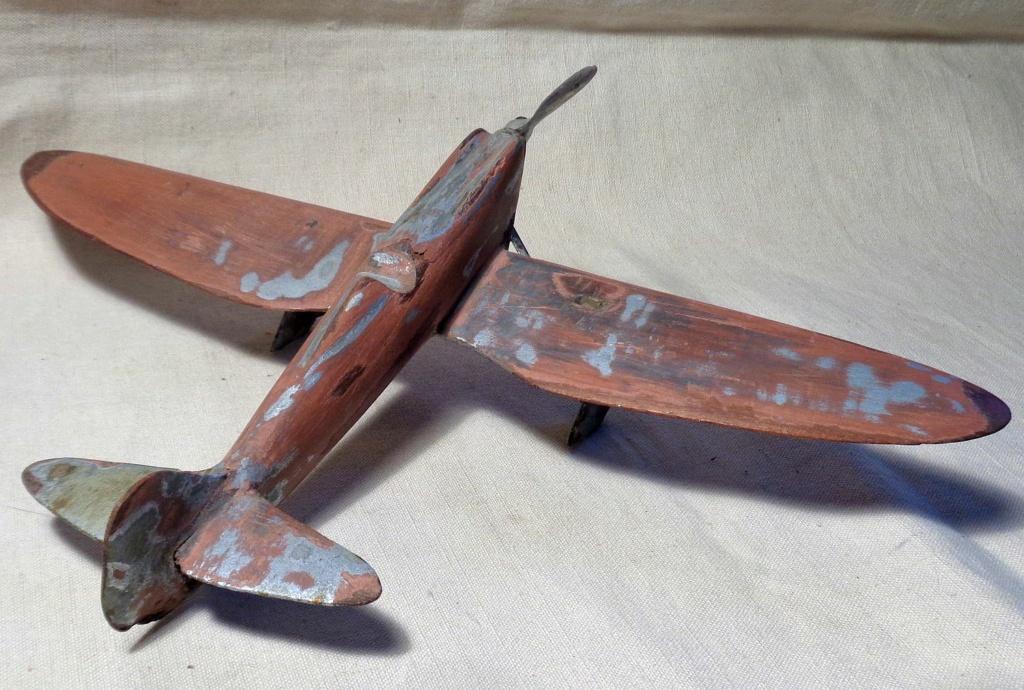 Une maquette d'avion ... ?  Dsc00754