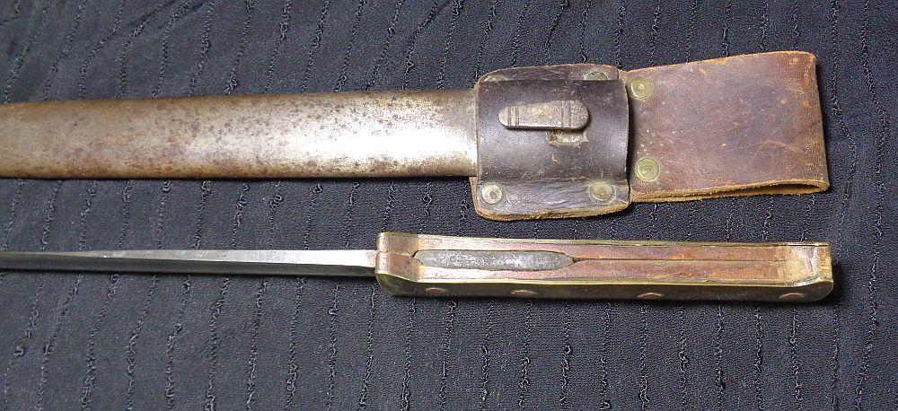 Un couteau de tranchée... Dsc01110