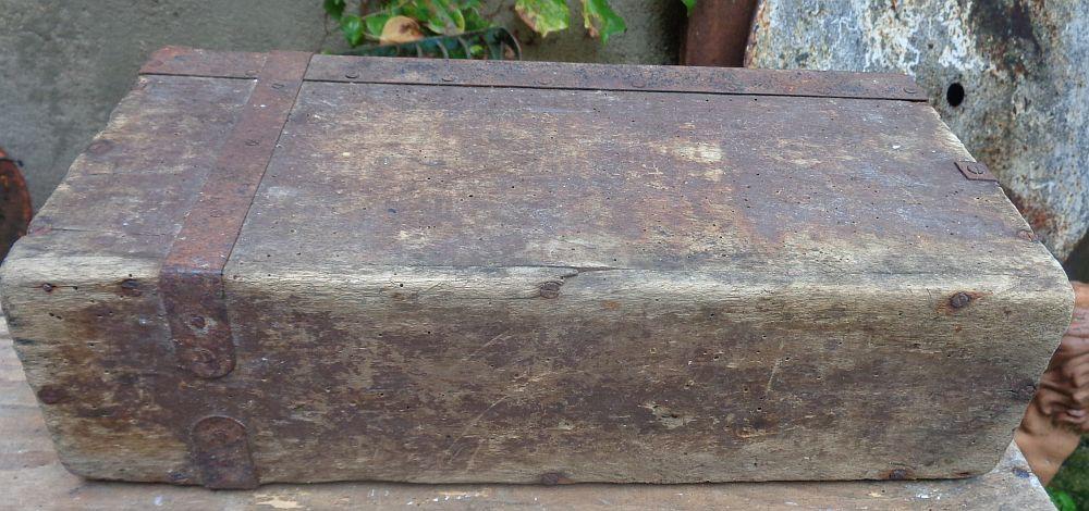 caisse à munition allemande  Dsc02614