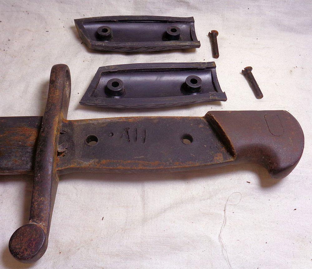 Une baionnette: c'est quoi cet outil ? Dsc02628