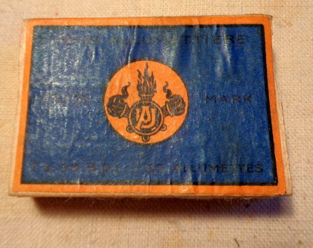 Les allumettes tricolores  Dsc03111