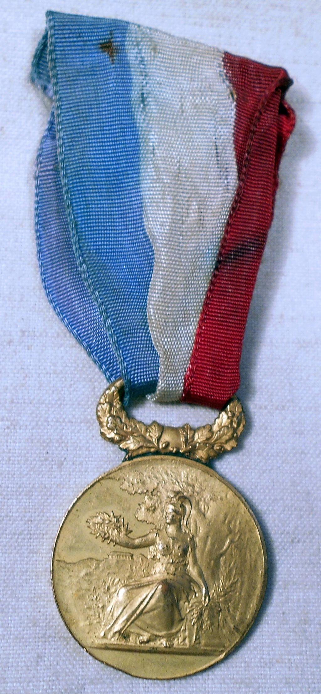 Identification des deux médailles Dscn0821