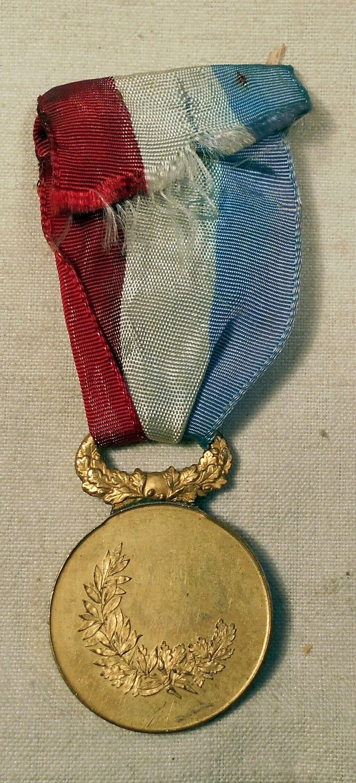 Identification des deux médailles Dscn0823