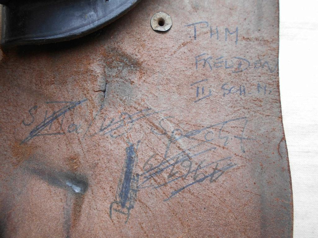 Un étui de pistolet en cuir ... Dscn1114