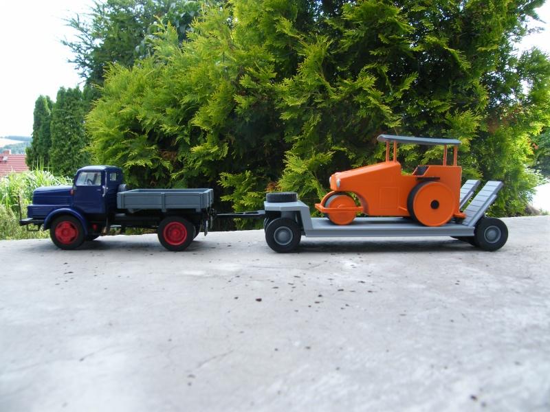 Eigenbau Schwerlastanhänger TL 20 und TL 12 Straßenwalze DW 10 und andere Fahrzeuge in 1 43 Dscf2221