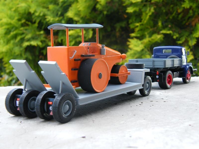 Eigenbau Schwerlastanhänger TL 20 und TL 12 Straßenwalze DW 10 und andere Fahrzeuge in 1 43 Dscf2223