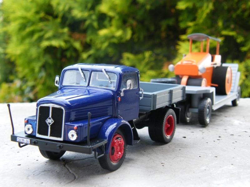 Eigenbau Schwerlastanhänger TL 20 und TL 12 Straßenwalze DW 10 und andere Fahrzeuge in 1 43 Dscf2224