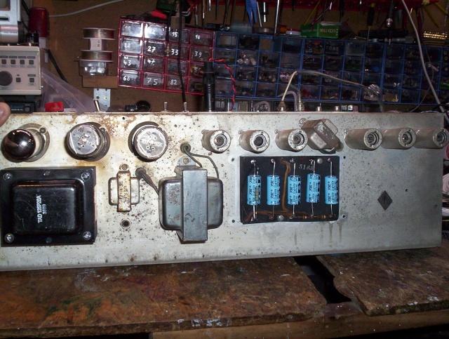 vieux truc à restaurer  Trf210