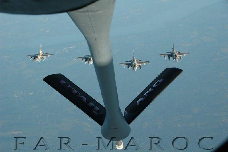 Photos RMAF F-16 C/D Block 52+ - Page 2 28128910