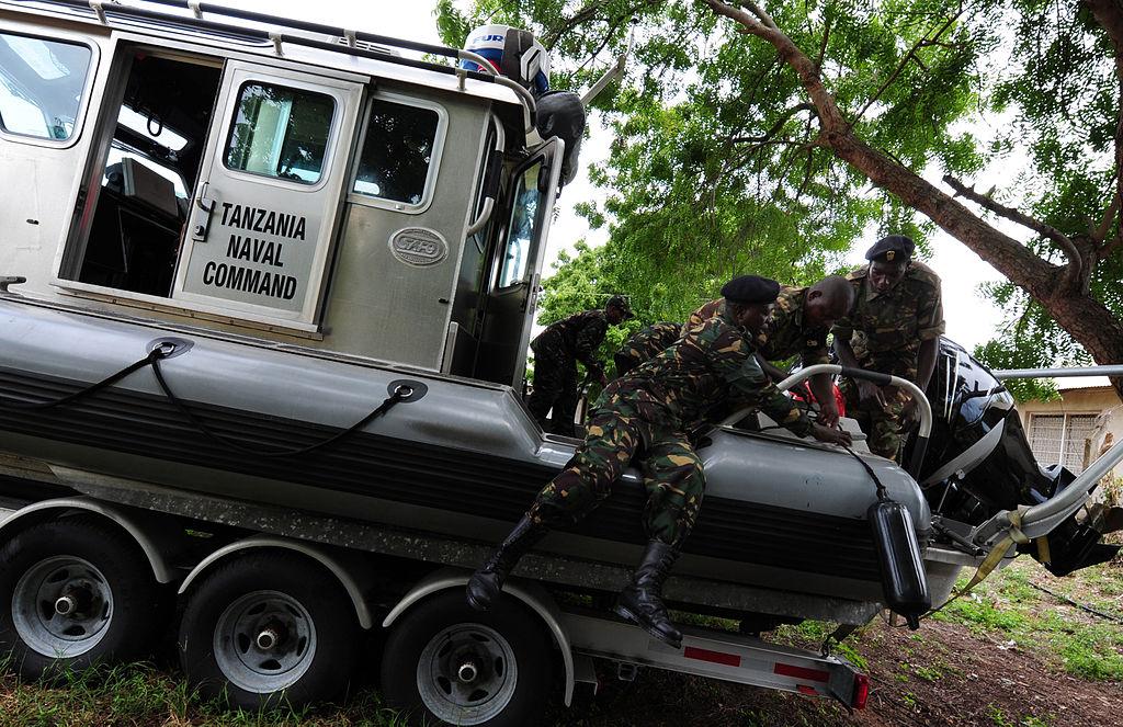 Armée tanzanienne / Tanzania Peoples' Defence Force ( TPDF ) 800px-10