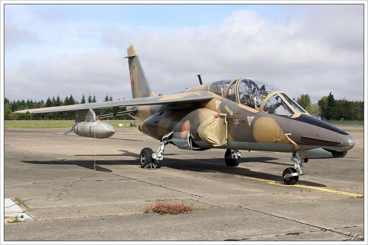 FRA: Photos avions d'entrainement et anti insurrection - Page 5 Alphaj14