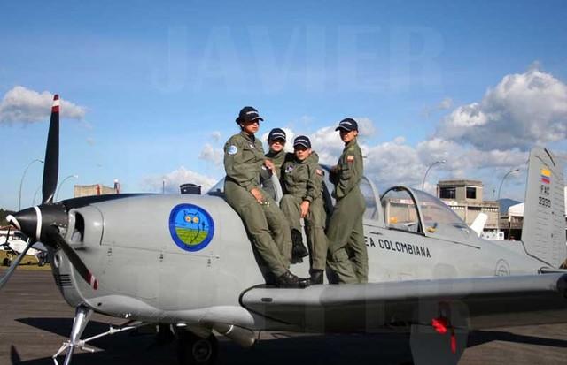 Armée Colombienne / Military Forces of Colombia / Fuerzas Militares de Colombia - Page 3 Cadete10