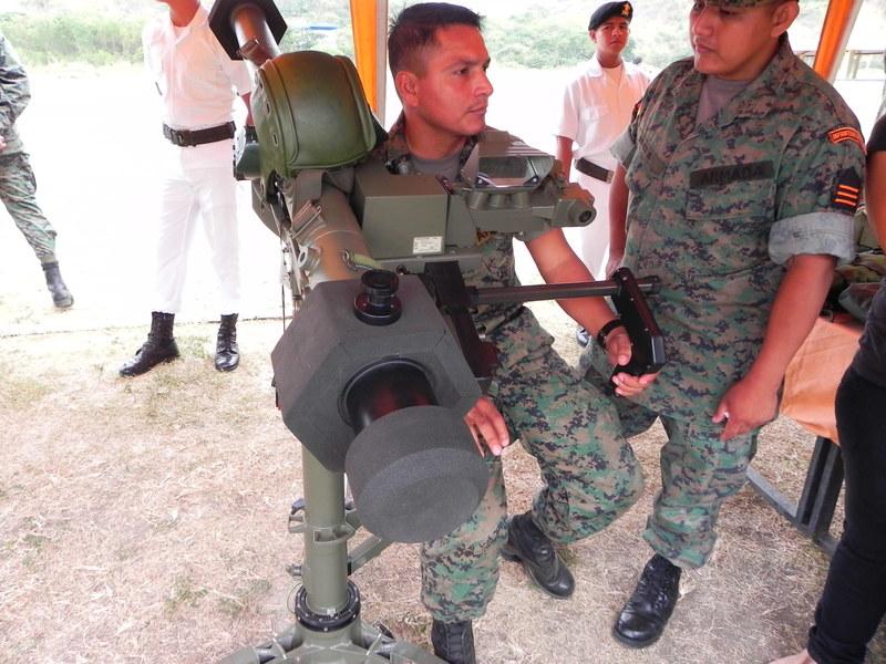 Armée Equatorienne/Fuerzas Armadas del Ecuador - Page 3 Dscn1910