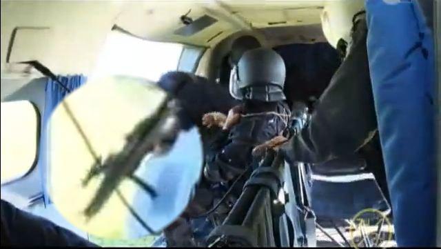 videos gendarmerie royale - Page 6 Zoomlk10