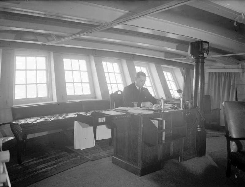 Le Duguay Trouin de 1800 (alias HMS Implacable) - Page 8 A_bord10