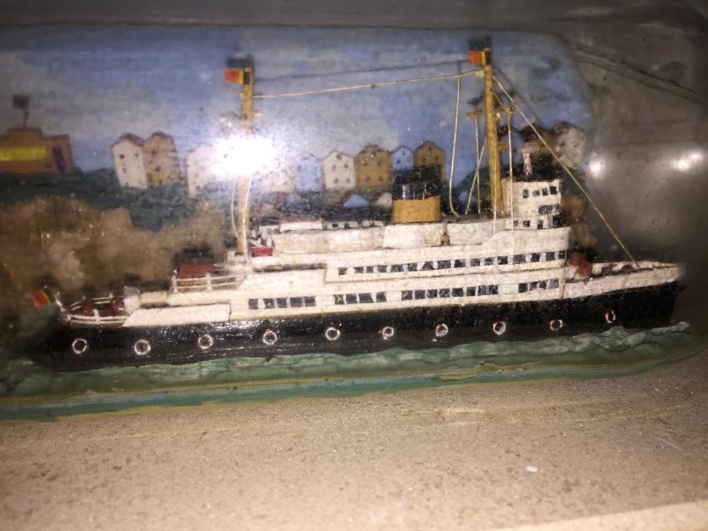 Collection de maquettes, vieux jouets et objets de marine - Page 2 Img_8610