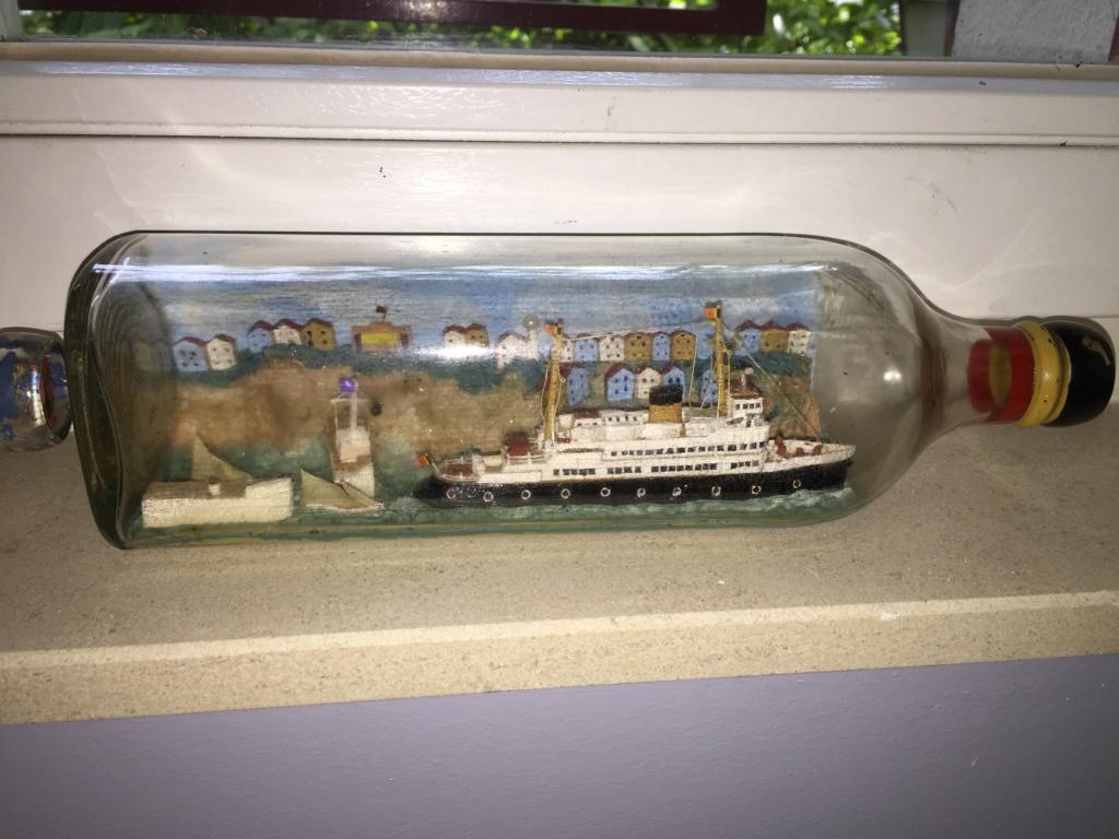 Collection de maquettes, vieux jouets et objets de marine - Page 2 Img_8611