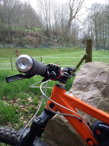 [Olivier] Un nouveau bike sur le forum ! - Page 5 Cintre12