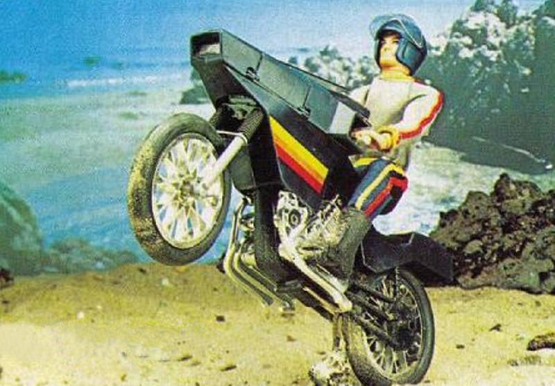 MOTO COMMANDO   N° 5141 Ccf05012