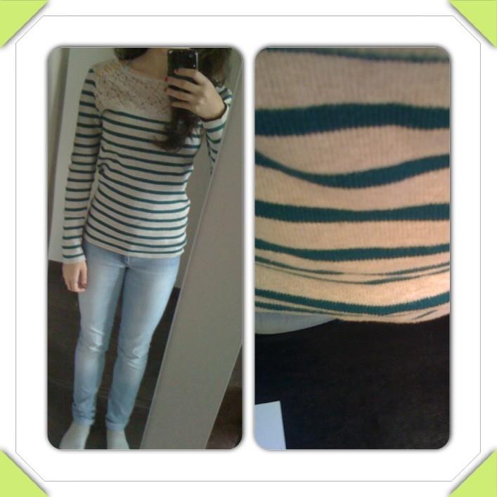 (Compotine.) - Sarah's dressing 03_11_10