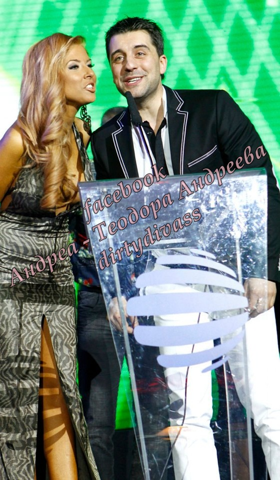 Годишни музикални награди на телевизия Планета за 2011 42051110