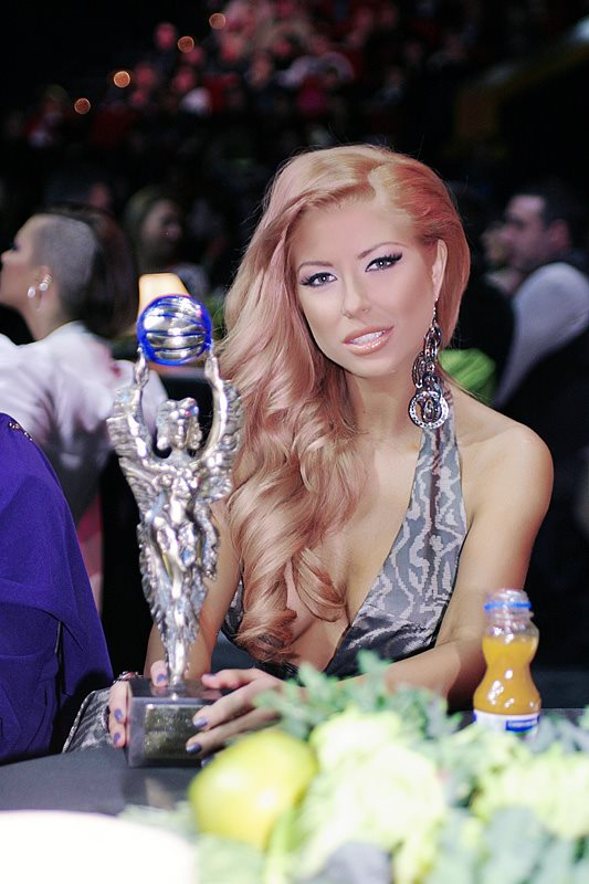 Годишни музикални награди на телевизия Планета за 2011 42949010