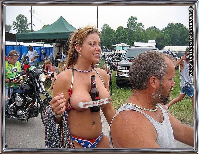 Comment tenir sa bière en moto? Pic18010