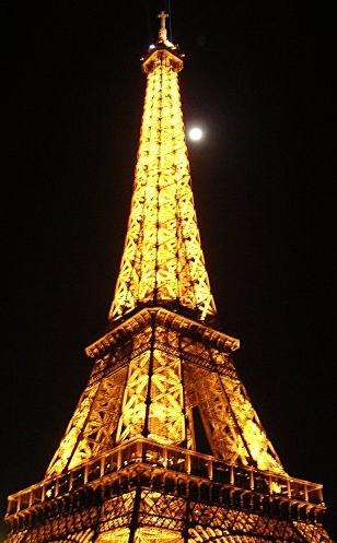 PARIS MERITE BIEN UN SUJET à Lui Tout Seul car Tellement Immense ^^... Tour_e10