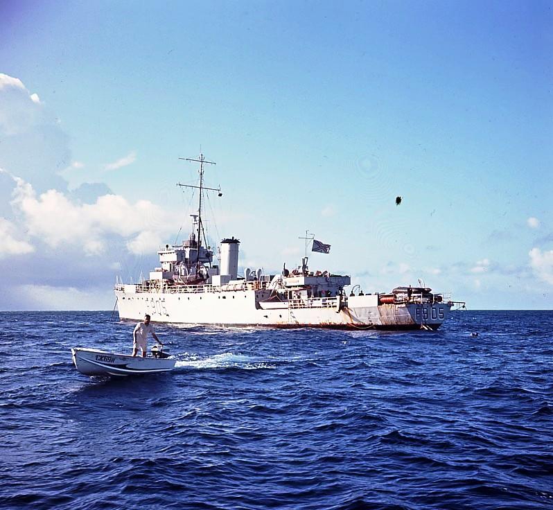 M/F 905 De Moor (ex HMS Rosario) - Page 2 905_bb10