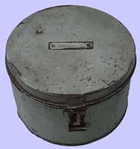 quelle est l'origine de la casquette de la zm-fn ? Boite_10
