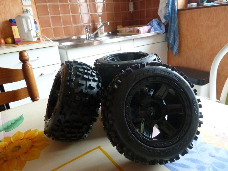 Recensement jantes et pneus monster trucks. P1020013