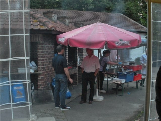 BBQ des anciens de la ZM-FN de Bruxelles le 22 juillet  - Page 2 Bbq_oa11