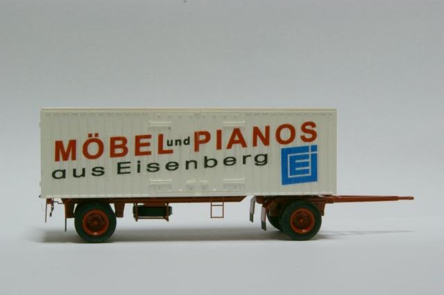 Möbelkofferanhänger HL70.80 von Helmut Rebs Piano110