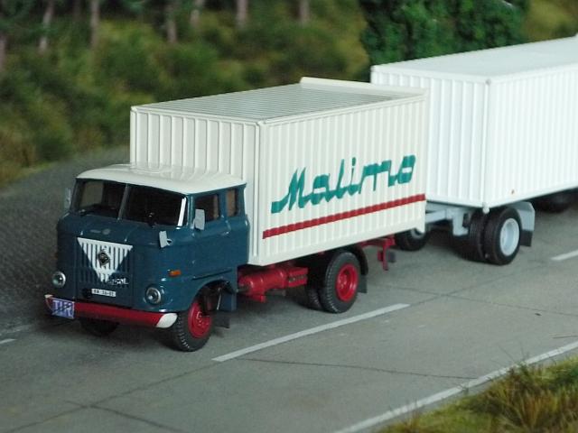 W50L/MK mit Möbelkofferanhänger HL72.80 W50-0110