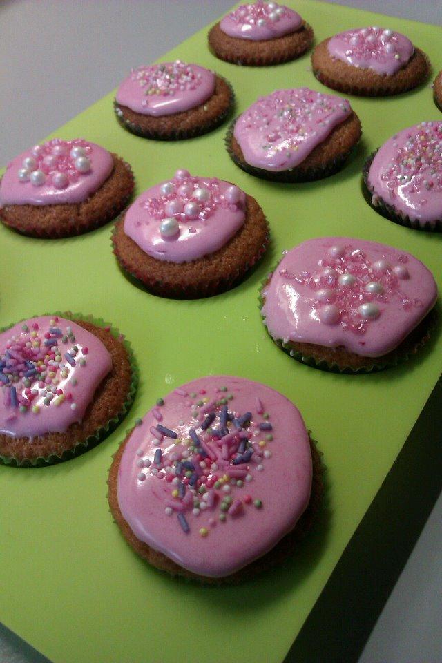 Cup-cake - recette de base et son glaçage à la violette Cupcak12