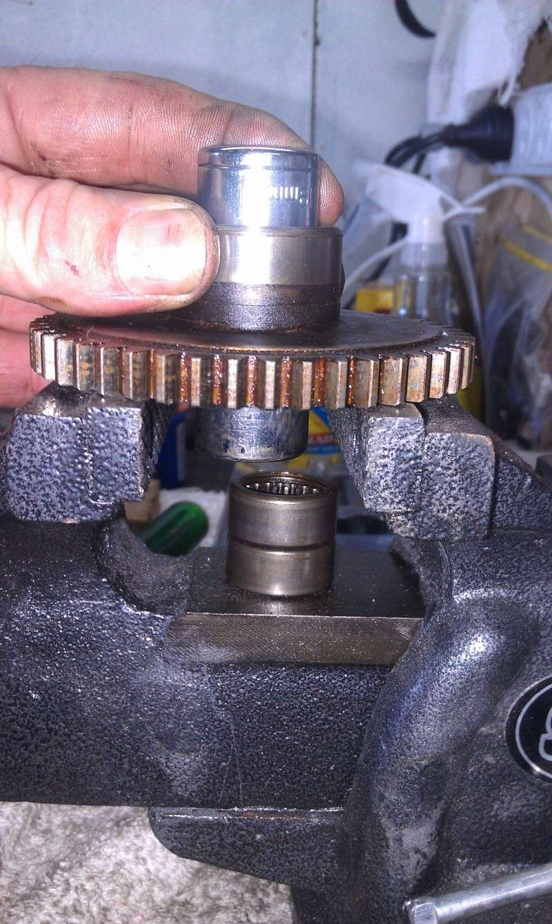 Sprag Clutch & Cleaning the Sprag clutch and bearing replacement. 5_out_10