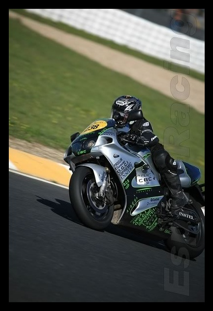 Salut ! - Page 2 Zx7r2_10