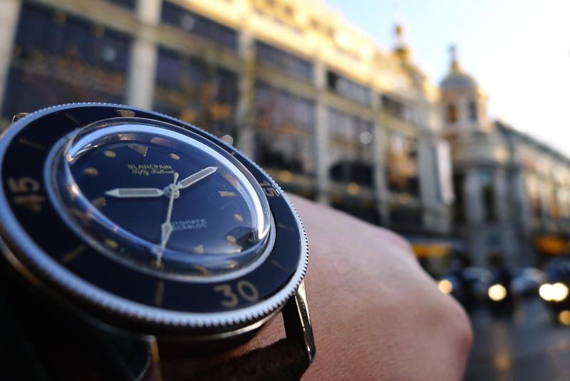 Des montres dans la ville Ffw210