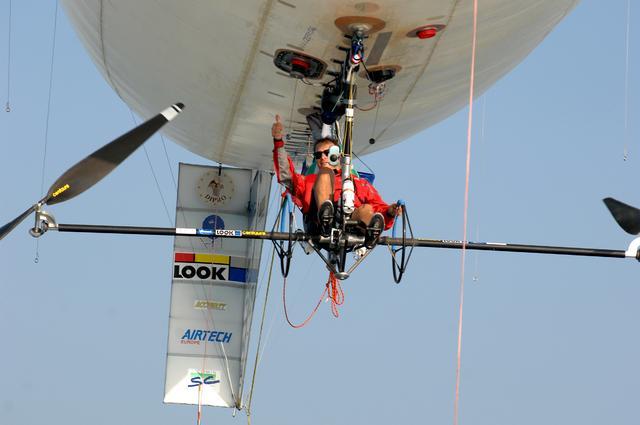 Stephane Rousson engage une  nouvelle aventure en ballon musculaire Hermes11