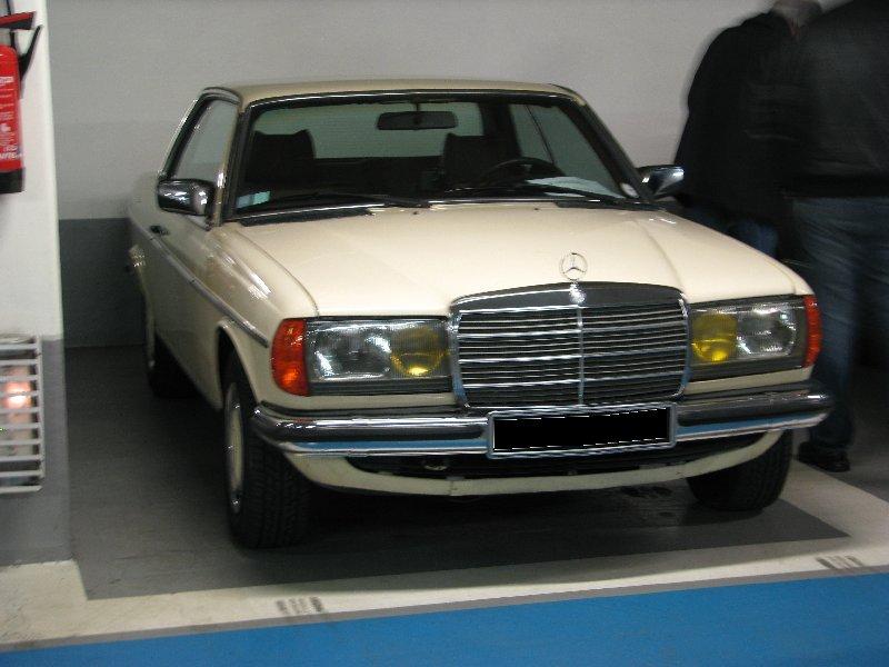 Rencontre au Mercedes-Benz Center de Rueil-Malmaison le 11 mars 2012. Img_4720