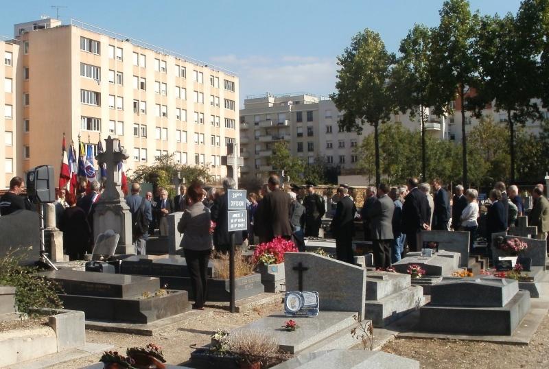 Nouvelle plaque sur la sépulture de Léon Ougloff Asniar10